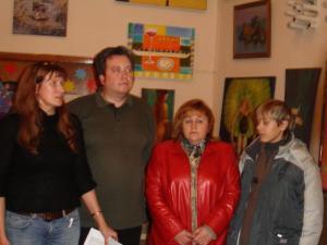 Леша Моисеев с мамой и организаторами акции